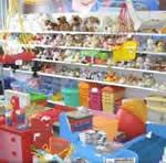 Бизнес: сколько зарабатывает магазин детских товаров, в основном - игрушек?